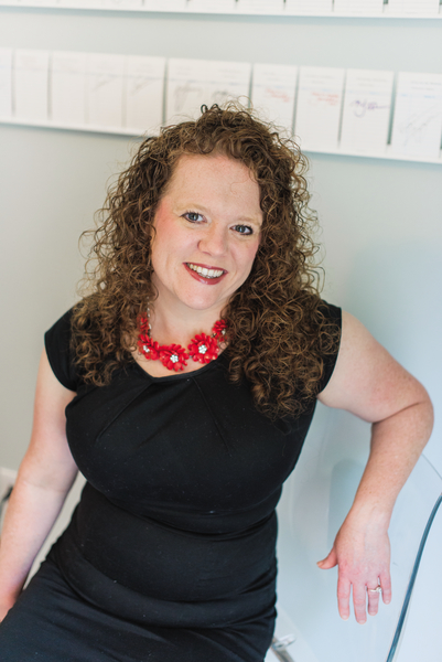 Cherie Lowe author image
