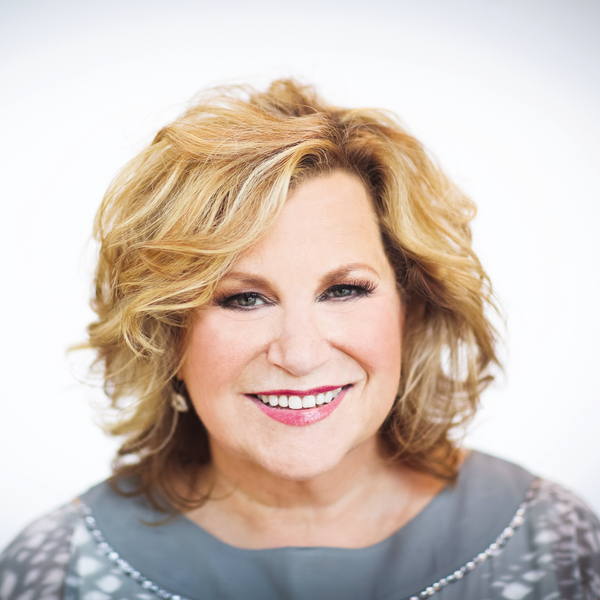 Sandi Patty author image